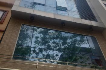 Cho thuê nhà ngõ 3 phố Phạm Tuấn Tài. Diện tích 70m2 x 6 tầng, mặt tiền 5m, ngõ rộng 10m