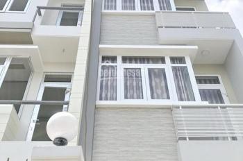 Bán gấp nhà 2 lầu sân thượng mặt tiền hẻm 670 Đoàn Văn Bơ quận 4