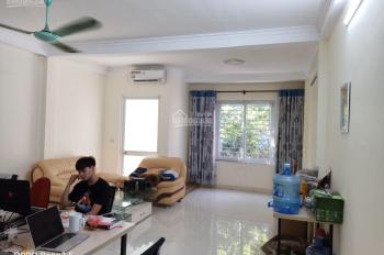 Cho thuê nhà riêng tại Quân Nhân - Chính Kinh, diện tích đất 100m2, nhà xây 3 tầng đẹp
