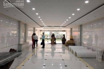 Cho thuê nhà mặt phố Bùi Thị Xuân, DT 120m2 x 4 tầng, MT 6m, giá 80tr/th, LH 0968896456