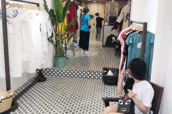 Cho thuê cửa hàng mặt phố Trần Quang Diệu, DT 90m2, 1 tầng, MT 5m, giá 15 tr/th. LH 0974739378