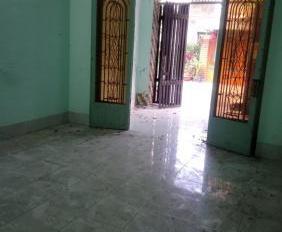 Chính chủ bán gấp nhà hẻm Nguyễn Văn Tăng, Quận 9, hướng đông nam, cách uỷ ban Quận 9 khoảng 3km
