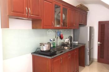 Cho thuê nhà mới xây 05 tầng nội thất cơ bản ở Hoa Lâm Long Biên giá 9,5 triệu
