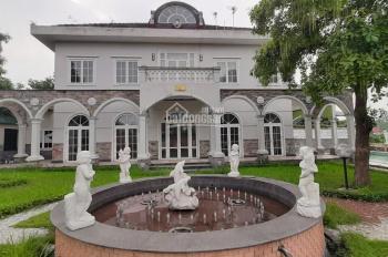 Khuôn viên biệt thự đẹp long lanh Phú Cát, Quốc Oai, Hà Nội cần chuyển nhượng