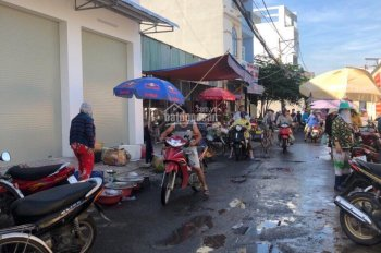 Bán đất mặt tiền chợ Nam Hòa, Q9, giá 65tr/m2