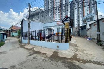 Cần bán gấp căn nhà ngay ngã ba Tân Vạn, P. Bình Thắng, Dĩ An. (LH: 0916.986.875)