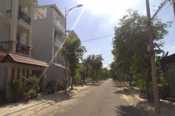 Sang gấp lô đường Hồ Bá Phấn, Q9, 1,820 tỷ/80m2, gần trường học, chợ, SHR, LH: 0902809326 Trâm