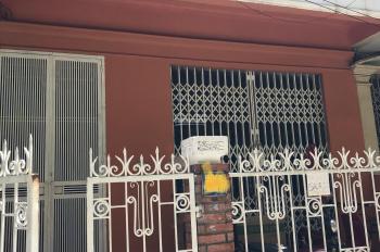 Cho thuê nhà 60m2 x 4 tầng khu chia lô Phương Liệt - đường Giải Phóng, ô tô đỗ cửa, 13tr/th