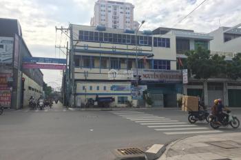 Cho thuê khu nhà mặt tiền đường Lũy Bán Bích