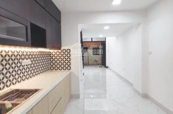 Cực hiếm! Bán nhà Lương Văn Can, Dt 38m2, 3 tầng, giá 2,85 tỷ. Lh 0816645888