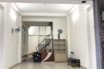 Cho thuê nhà mặt tiền Nguyễn Minh Hoàng - K300. DT 4 x 13m, 3 lầu, nhà đẹp