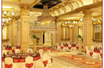 nhà hàng tiệc cưới cho thuê Quận 3, diện tích 2500m2 giá 250 triệu/tháng. Liên hệ: 0902.470.588