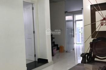Cho thuê nhà khu Văn Minh, p.An Phú 6*20m, hầm, 3 lầu, 6 phòng, chỉ 32tr/tháng. LH: Quân 0901380809