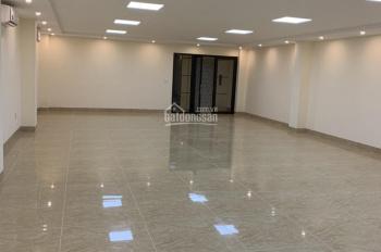 Cho thuê nhà mặt phố Trung Hòa, 135m2 * 5 tầng, MT 5,5m, thang máy cuối nhà thông sàn, giá 80 tr/th