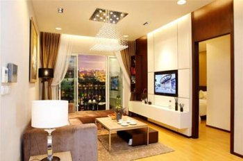 Tôi cần bán gấp căn hộ Vinhomes 54 Nguyễn Chí Thanh. 86m2, 2PN, view hồ thoáng, đủ đồ đẹp, 4.9 tỷ