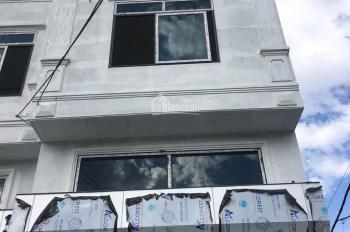 Bán nhà 3 tầng ở Đồng Mai Dt 42m2 ô tô vào nhà, gần chợ Đồng Mai giá 1.45 tỷ. Lh 0983.633.489