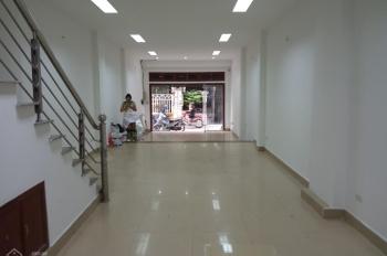 Cho thuê nhà riêng ngõ 162 Nguyễn Tuân, Thanh Xuân, DT 65m2 x 5T, MT 5m. Nhà có đồ cơ bản, 23tr/th