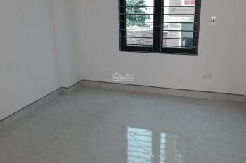 Do chuyển đơn vị chính chủ bán nhà xây mới 3 tầng, cạnh sân bóng Bằng B giáp KĐT Linh Đàm