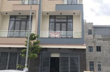 Chính chủ bán gấp căn nhà ngay làng đại học quốc gia TPHCM thuộc Đông Hòa, Dĩ An, LH: 0933 109099