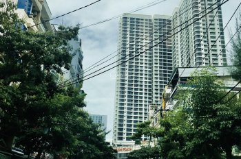 Cho thuê nhà 3 tầng gần biển, gần Vincom Plaza - trung tâm TP Nha Trang