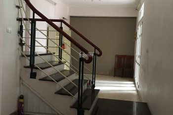 Cho thuê nhà ngõ 91 Trần Duy Hưng, Cầu Giấy, HN 80m2/5 tầng lô góc, 3 mặt tiền 42 triệu/tháng
