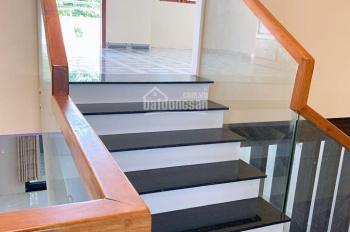 Bán căn nhà 2 tầng đẹp MT Lê Đỉnh, Hòa Xuân, Cẩm Lệ, giá tốt - 0934907635