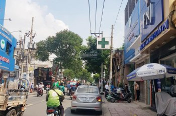 Cho thuê mặt tiền đường Tô Hiến Thành DT: 10x15m 4 lầu đối diện Big C, vị trí đẹp lề đường 10m