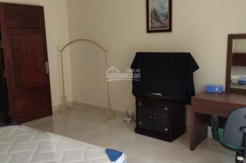 Cho thuê nhà riêng mới xây ngõ Phan Kế Bính Linh Lang, dt 50m2x5 tầng, 4 phòng ngủ đẹp, 1 pk, 1 bếp