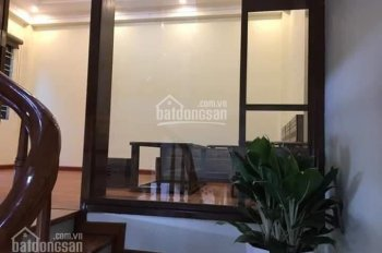 Mình bán nhà lô góc 4 tầng ngõ phố Nguyễn Thị Duệ, DT 41.7m2, MT 4m, 2.250 tỷ có bớt. LH 0904469345