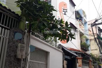 Bán nhà Nguyễn Cửu Vân, P17, DT 40m2 (3,2*12,5m) 2 lầu + ST; 5PN, 4WC, cách mặt tiền 40m