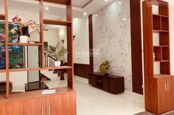 Bán nhà phân lô phố Nguyên Hồng, 59m2, 5 tầng, ô tô, kinh doanh sầm uất, LH: 0972932251