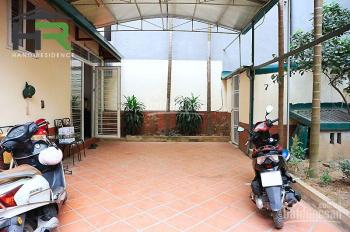 Cần cho thuê nhà phố Tô Ngọc Vân sân vườn. LH anh Hân 0393693456
