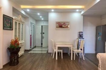 Cho thuê văn phòng ngõ 121 Thái Hà, DT 60m2 chia 2ph; tầng 3 giá 7tr/ tháng, LH 090.340.1575