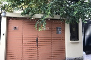 Chính chủ bán nhà đẹp mặt tiền đường Nguyễn Thái Học, căn góc, 1 trệt 3 lầu, P.1, Q. Bình Thạnh