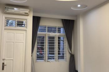 Nhà riêng đẹp Khâm Thiên DT 55m2 x 4T, full sàn gỗ điều hòa, giá tốt 12 triệu/th, LH 0968063506