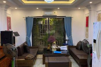 Mặt phố Đặng Tiến Đông 70m2 vỉa hè 7 phòng khép kín, giá chỉ 13 tỷ: 0903409888