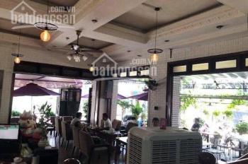 Cho thuê mặt bằng góc 2 mặt tiền Trần Quang Diệu, Phường 13, Quận 3