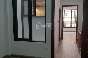 Bán nhà ngõ 118 Nguyễn Khánh Toàn, Cầu Giấy 42m2 x 5T mới, MT 4m, ô tô đỗ cửa, đủ nội thất, 6,2 tỷ