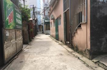 Gia đình tôi cần bán mảnh đất vuông vắn tại Cửu Việt