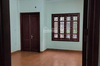 Cho thuê nhà 50m2 x 4T ở KĐT Cầu Diễn, 136 Hồ Tùng Mậu
