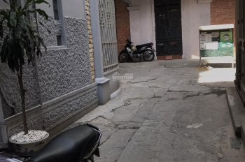 Cho thuê nhà riêng Giang Văn Minh, Ba Đình 4PN, 4WC 45m2 4.5 tầng full đồ. Lh e Thắng 0364704320
