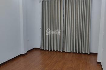 Bán nhà ngay phố Hoàng Quốc Việt, DT 46m2 x 6T, 2 mặt đg trước sau, trước nhà 10m. Giá 8.5 tỷ.
