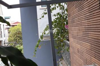Bán nhà 3T 84m2 ngõ 24 Ngọc Lâm, Long Biên, căn góc 2 mặt ngõ thoáng, ô tô vào, KD, giá tốt: 6.9tỷ