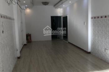 Cho thuê nhà mặt tiền đường Lê Quang Định, P. 11, Bình Thạnh, 4x30m, 2 lầu, giá chỉ 36tr/th