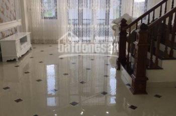 CC bán nhà Kinh doanh sát mặt phố Nguyễn Thái Học oto vào nhà đường thông 50m2, giá chỉ 4.3 tỷ