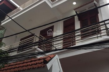 Bán gấp nhà 3 tầng DT 86m2 dân xây kiểu biệt thự tại phường Gia Thụy, hướng Đông Nam MT 7m giá tốt