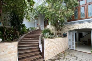 Cho thuê nhà nguyên căn biệt thự Nguyễn Văn Trỗi, Phú Nhuận 8mx21m, 4 T, giá 60 triệu/th TL