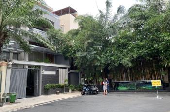 Bán gấp biệt thự siêu đẹp Nguyễn Trọng Tuyển, quận Tân Bình HCM. 8x20m vuông vức TL2L ST hồ bơi