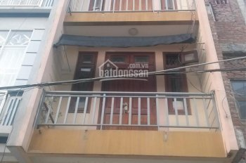 Cho thuê nhà nguyên căn mặt tiền đường nội bộ 18/10A Nguyễn Thị Minh Khai, P. Đa Kao, Q1