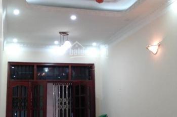 Cho thuê nhà ngõ Núi Trúc dt 45m2 x 4t, 5pn, giá 12,5tr/tháng